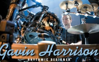 Gavin Harris am Drumset