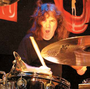 simon-wright-am-drum-in-action